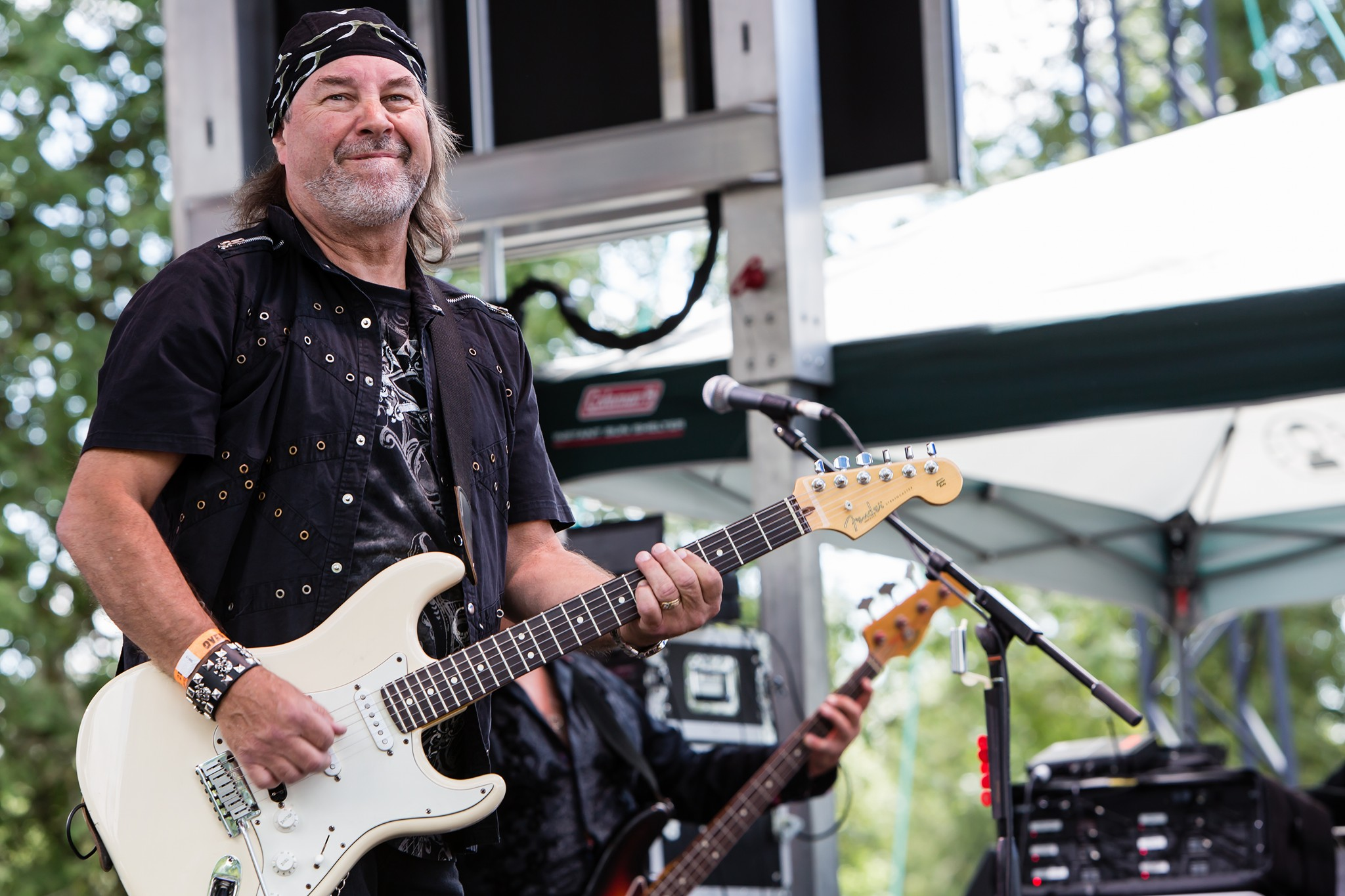Ray as part of All Fired Up at Harefest 6. Photo by Mur-Man Productions